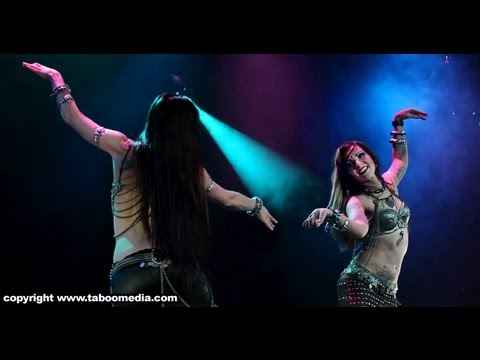 Kami Liddle & Zoe Jakes perform at The Massive Spectacular! 2011