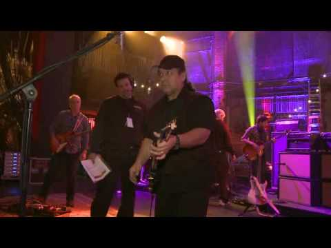 John Mayer´s Guitar Tech Rene Martinez @ the Beacon - Fuse tv