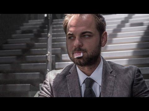 French Kiss By Wayne Houchin [theory11] video