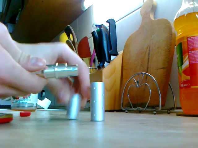 Dealextreme - Vintage Portable Aluminum Glass Perfume Spray Bottle (3ml) - SKU 58055