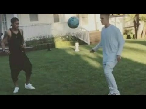 Justin Bieber and Neymar Jr - Playing Football |Freestyle Show|