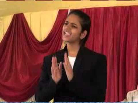 Vrushali Dharme Inspirational Speech Marathi 2014 Part 2 video