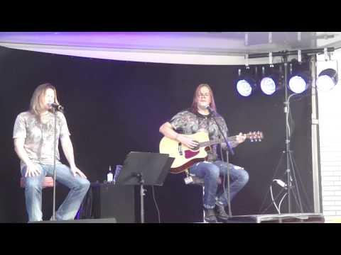 Timo Kotipelto&Jani Liimatainen - Rainbow Eyes acoustic live 20.8.2011 [HQ]