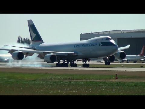 Cathay Pacific Cargo B-LJE 747-8F Landing Vancouver Airport (YVR)
