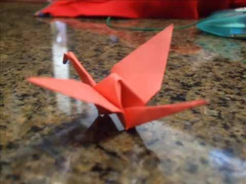 Origami Crane ...... طائر الكركي بالورق