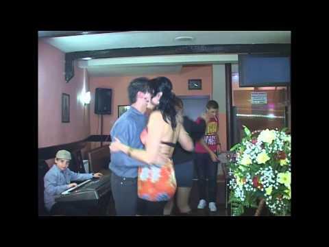 Raul la orga canta la ziua lui Mitza
