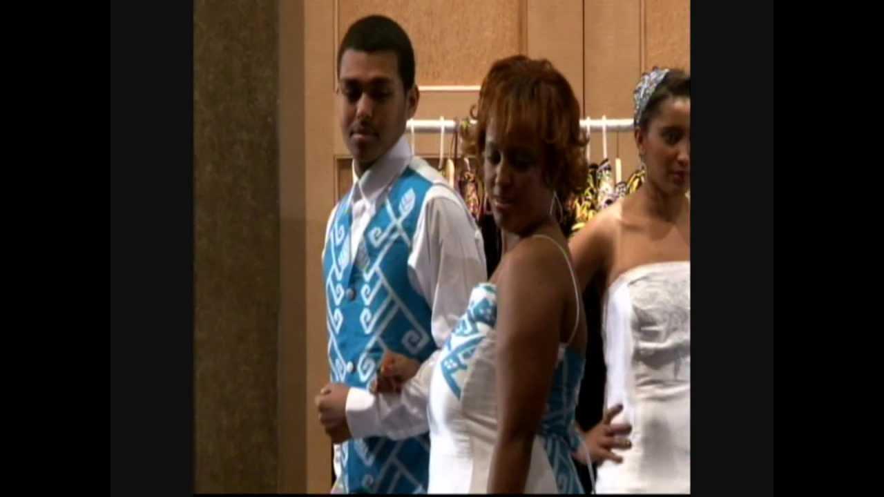 Christmas Wedding Dress Youtube