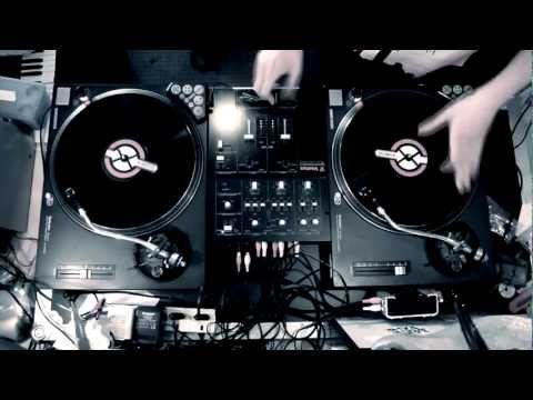 DJ P-NUTS | FOUR NOTES SCRATCH/TURNTABLISM ROUTINE | 2013