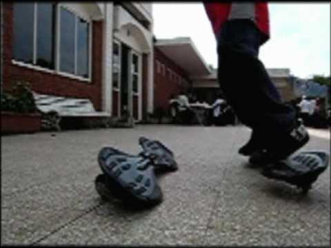 Trucos de patineta de 2 ruedas en Provin