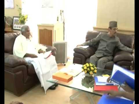Delhi visit - Kerala Chief Minister Shri.Oommen Chandy meets Ghulam Nabi Azad
