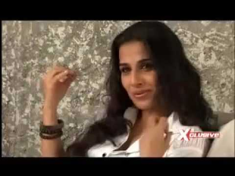 Vidya Balan poses for Man! Video