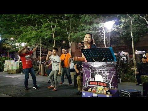 Bara Bere-nurul Feat Redeem Buskers Cover Siti Badriah,goyang Jangan Tak Goyang