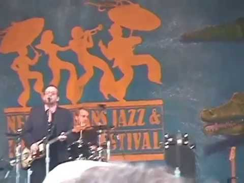 Elvis Costello Jazz Fest 4-30-2005 New Orleans