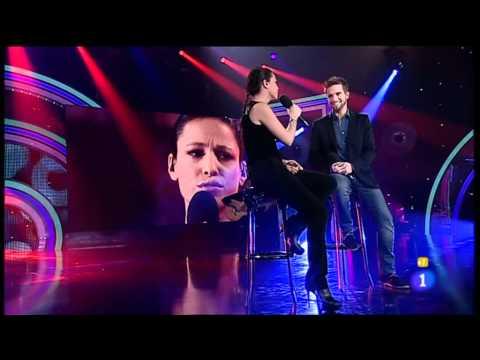 Pablo Alborán & Carminho - Perdóname (Directo en El Disco Del Año 2011) 27-12-2011