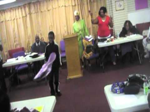 Jeremiahs praise dance to Fred Hammonds L.O.U.D. (Part II) 2611...
