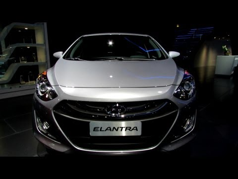 2013 Hyundai Elantra GT - Exterior and Interior Walkaround - 2012 Los Angeles Auto Show