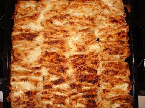 "Турецкий слоеный пирог ""Кывырма Бёрек"" с сыром (брынзой) и зеленью.  Kıvırma börek. Türk mutfağı"