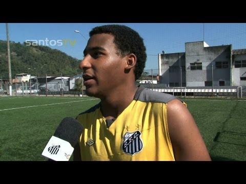 Filho do Rei Pelé treina no juvenil do Santos