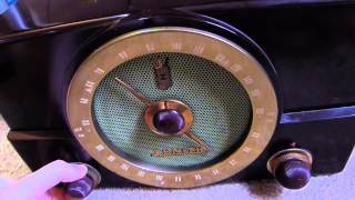 1953 Zenith Model K725 Tube radio (made in the USA)