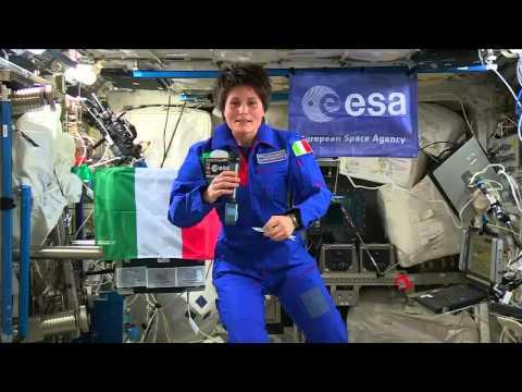 Samantha Cristoforetti parla con Giorgio Napolitano - 22/12/2014 - Expedition 42