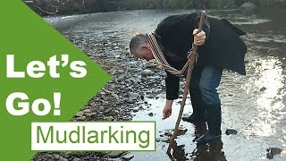 Mudlarking below a 19th century town - Pottery and fossils!