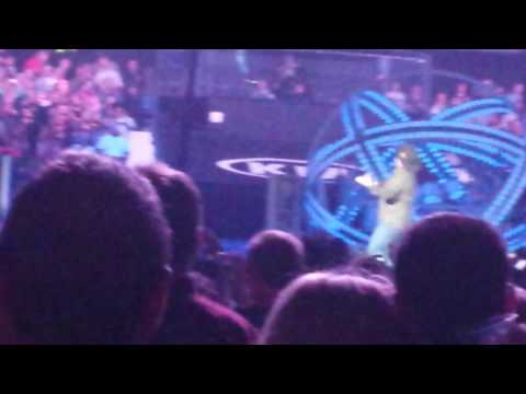 Garth Brooks With Trisha Yearwood World Tour Chicago 09 If Tomorrow Never Comes video