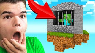 Building A ZOMBIE PRISON In SKY BLOCK! (Minecraft)