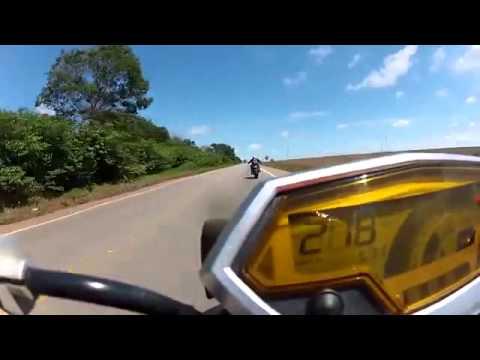 Kawasaki Z1000 vs Honda CB1000R 2014
