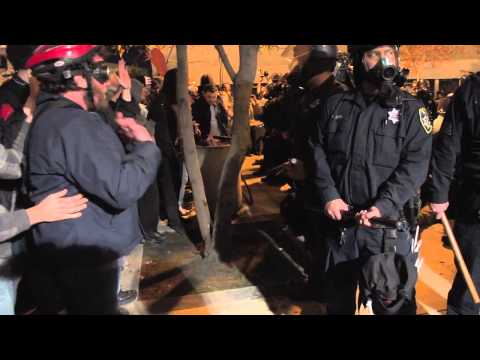 Police Brutality at Occupy Oakland January 28th Night Time Protest