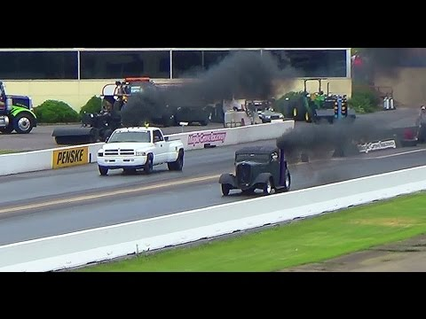Rollin Coal pickups drag racing 2nd annual keystone deisel truck nats