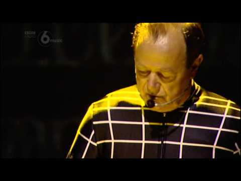 Kraftwerk - Live - LATITUDE FESTIVAL 20 July 2013 - SOUTHWOLD (UK) (Radio 6 - Red button)