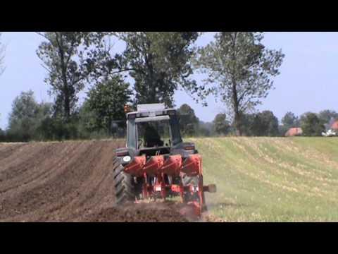 Orka pod rzepak 2010/Plowing / Massey Ferguson 3635/Akpil KM 180