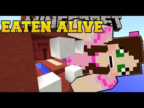 Minecraft: A MONSTER EATS US! - HIDDEN BUTTONS - Custom Map