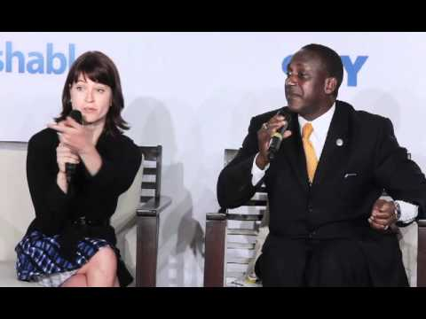 Dr. Kandeh Yumkella of UN Energy and Stacey Green of Mashable speak at Rio + Social