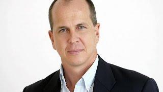 ترحيل صحفي الجزيرة الاسترالي بيتر غريسته من مصر