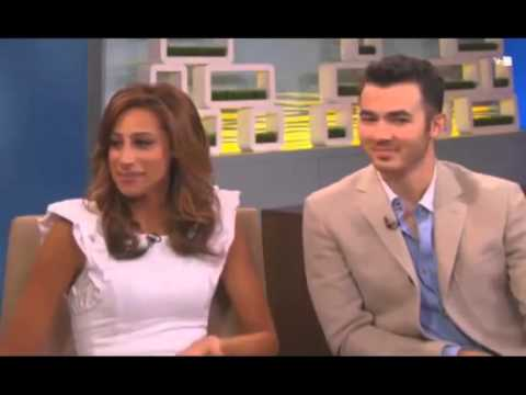Kevin Jonas and Danielle Jonas on VH1 Morning Buzz