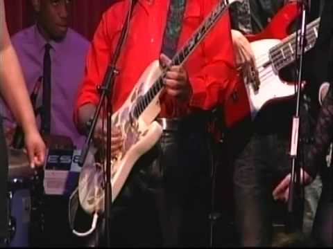 Ernie Isley w/ Berklee SCAM - Who's That Lady