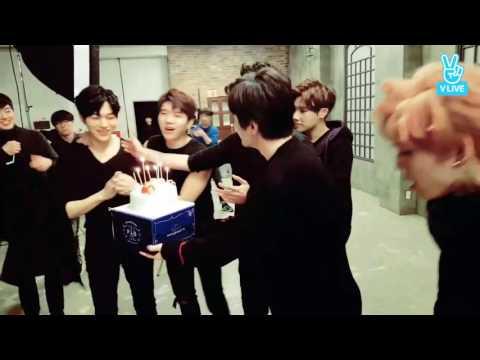 Ot7 Myungsoo doğum günü kutlaması 🎉