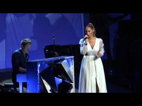 Leona Lewis  'Locked Out Of Heaven' Royal Albert Hall - Glasshearttour 08.05.13