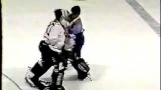 Ryan Penney Tko 39 S Matt Mullin Goalie Fight