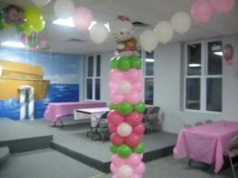 Decoracion con globos de hello kitty