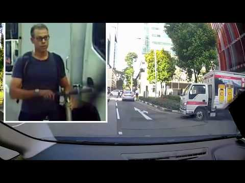 Road argument between driver and PMD rider in Tanjong Pagar