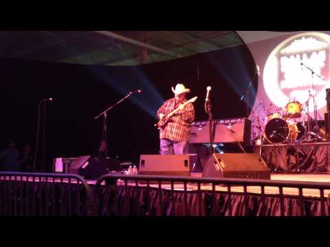 Johnny Hiland Intro @ 2012 Dallas Guitar Show