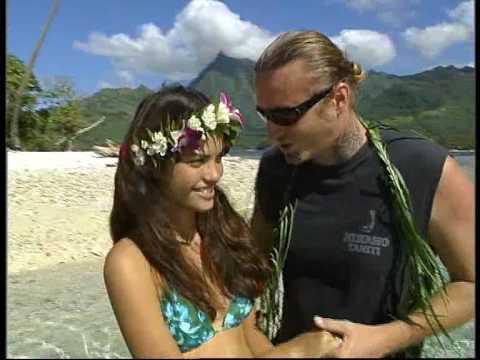 Music video Tahiti Music - L.Degache - Le Prix D'un Baiser - Music Video Muzikoo