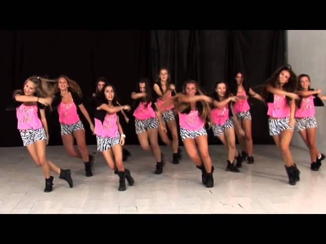 Coreografía de Sube Las Manos Pa Arriba de Pitbull / TKM