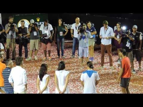 Guga entrega trofeu ao campeão do Rio Open, Rafael Nadal