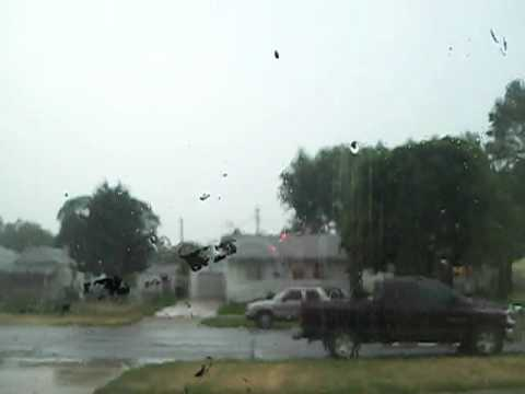 Severe Derecho storm slams Indiana (part 1) 6/29/2012 (Transformer explodes at 1:19)