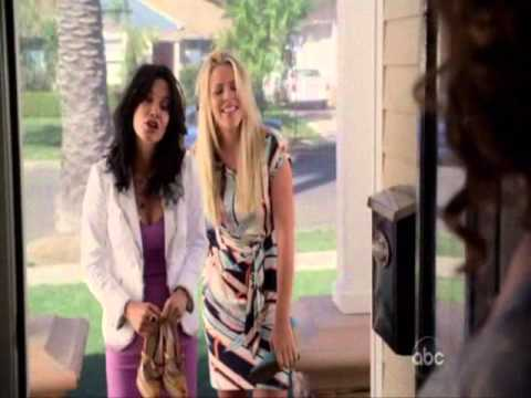 Cougar Town: Laurie & Jules chasing a guy