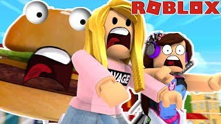 THE FOOD IS TRYING TO EAT US! (Roblox)