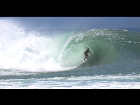 ハワイ サーフィンBIGGEST! KILLER! Huge South Swell 2011 Ala Moana Bowls August Oahu USA Surfing